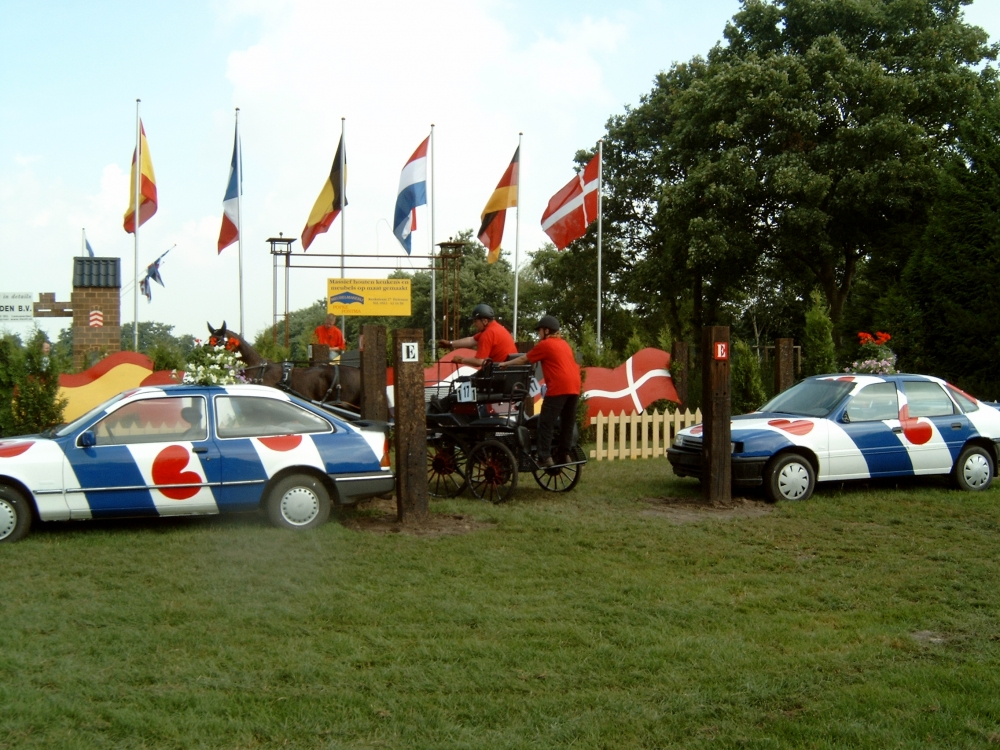 2003 M4100011