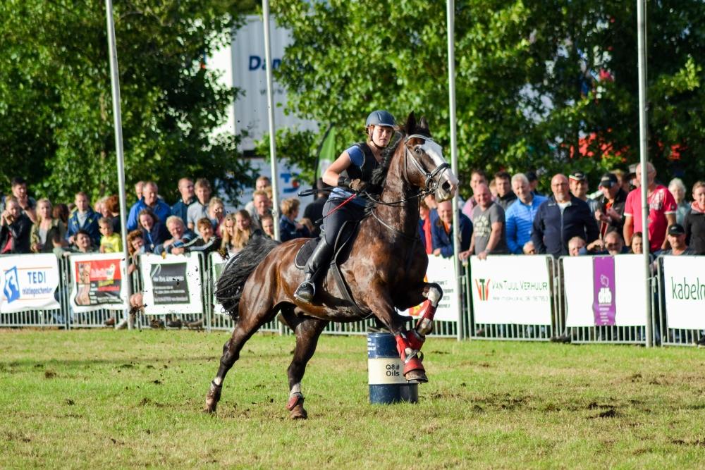 16-barrelrace_paarden-4